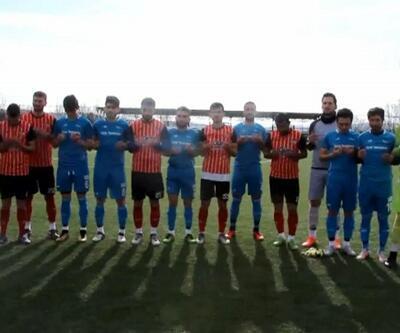 Futbolculardan lig maçı öncesi askerler için dua