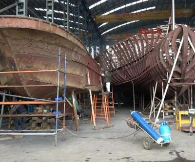 Sürmene'den Avrupa'ya açılan tekneler