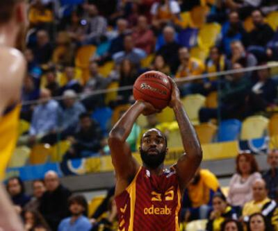 Galatasaray Odeabank ilk galibiyetini aldı
