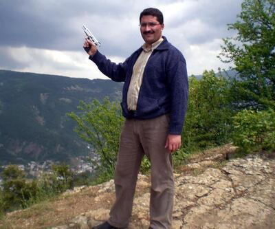 İlçe Milli Eğitim Müdürü'nün tabancalı fotoğrafı tepki çekti