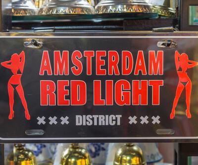Amsterdam'ın ünlü sokağına turist sınırlaması getiriliyor