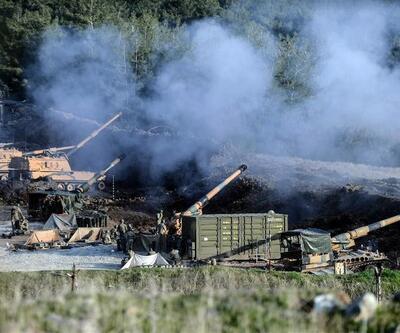 Sakarya Tepesi'ndeki PYD mevzileri Sakarya obüsü ile vuruldu