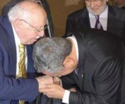 Bülent Arınç, Necmettin Erbakan'la olan fotoğrafını paylaştı
