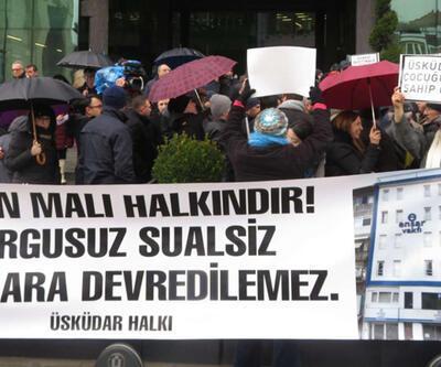 """Üsküdar Belediyesi önünde """"vakıf"""" protestosu"""