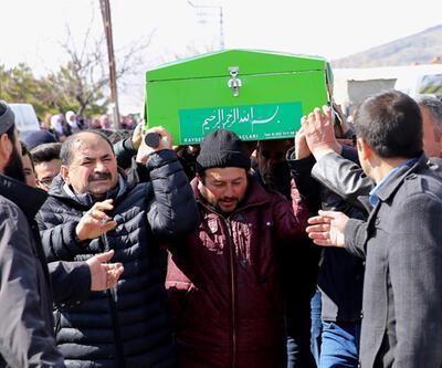 Üzerine kale direği düşen öğrenci hayatını kaybetti