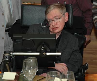 Stephen Hawking'in korkutan kehanetleri: Dünyanın sonu yaklaşıyor