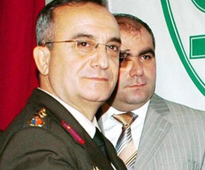 FETÖ'den albayın eşine El Kaide kumpası
