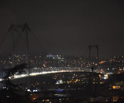 İstanbul'da iklim değişikliğine dikkat çekmek için ışıklar söndü