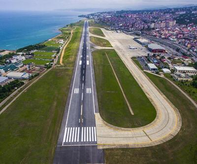 Trabzon Havalimanı'nda uçuşlara fırtına engeli