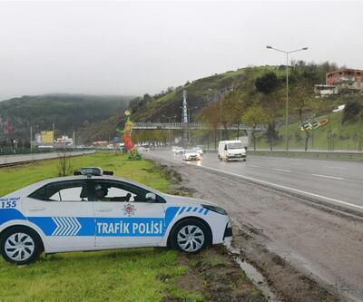 Maket polis araçlarının çalınan tepe lambalarının yenileri takıldı