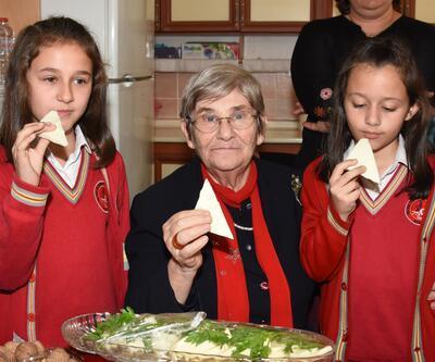 Canan Karatay'dan kemik erimesine karşı 'Ezine Peyniri' önerisi