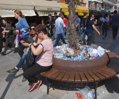 1 Mayıs kutlamalarından geriye çöpler kaldı