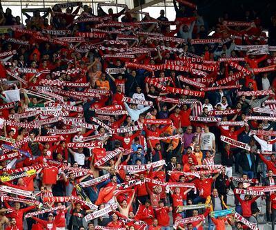 Antalyaspor'da 'siyasi' marş tartışması