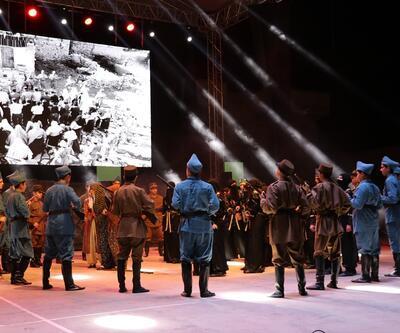 """Liseli 120 öğrenciden 'Dumlupınar Müzikali"""""""