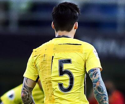 Milyon dolarlık Çin Süper Ligi'nde yamalı forma skandalı!