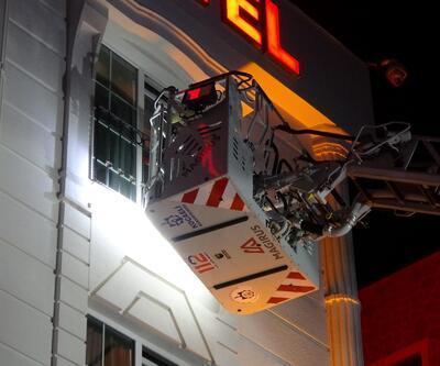 Otel hamamında yangın çıktı: 10 kişi zehirlendi