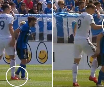 Ibrahimovic rakibine tokat attı