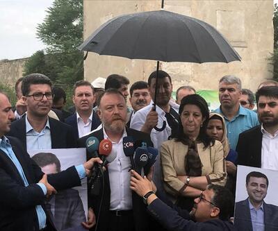 HDP Eş Başkanları cezaevine 5 kilometreden fazla yaklaştırılmadı