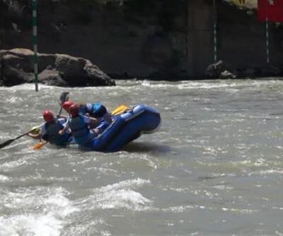 Munzur'daki rafting yarışmasında korku dolu anlar