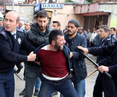 Erzurum'da marketçilerle seyyar satıcılar birbirine girdi: 7 yaralı
