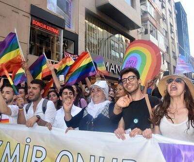 İzmir'de 'Onur Yürüyüşü' düzenlendi