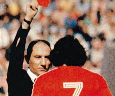 Dünya Kupası'nda ilk kırmızı kartı bir Türk gösterdi