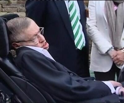 Hawking ünlülerle anıldı