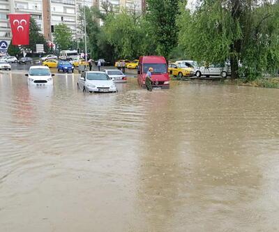 Ankara'da 10 dakikalık yağış bu hale getirdi