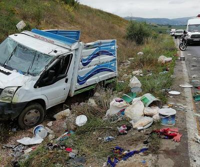 Tarım işçilerini taşıyan kamyon devrildi: 2 işçi öldü