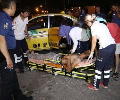Taksiyle çarpışan otomobil su kanalına uçtu: 3 yaralı
