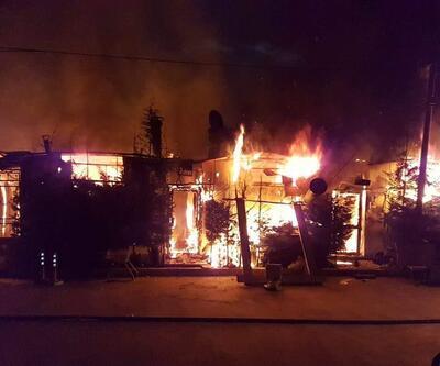 Sapanca Gölü kıyısında 10 kafe yandı: Kundaklama şüphesi