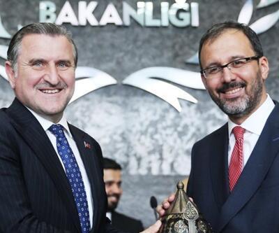 Gençlik ve Spor Bakanı Mehmet Kasapoğlu görevi devraldı