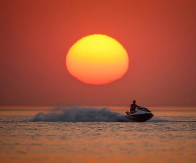 Van Gölü'nde gün batımı ve jet ski!