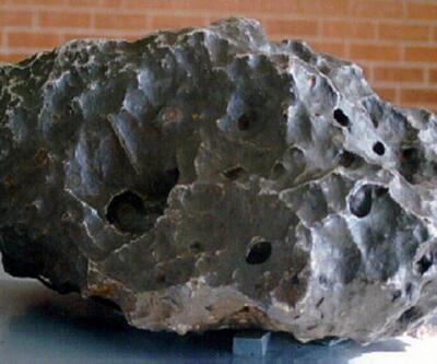 Meteorun içinde elmastan sert mineral keşfedildi