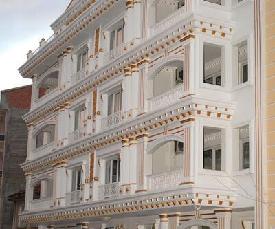 Malatya'da görenleri şaşkına çeviren apartman: Altın kaplama
