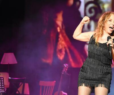 Konser bitti, Sertab şarkı söylemeye devam etti