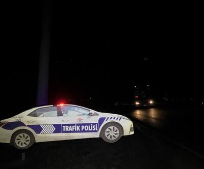 Maket polis aracının tepe lambasını çaldılar