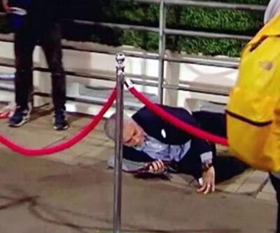 Mourinho güvenlik şeridinin üzerinden atlarken düştü