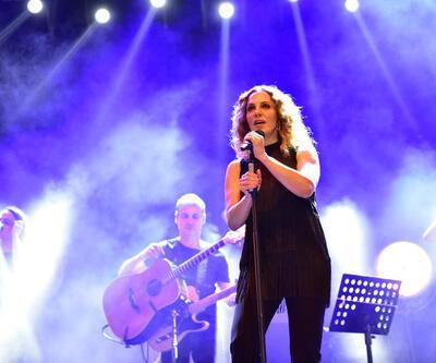 Sertab Erener Adanalıları coşturdu