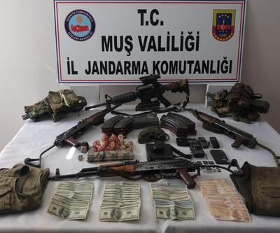 Öldürülen 5 PKK'lı teröriste ait silah ve mühimmat ele geçirildi