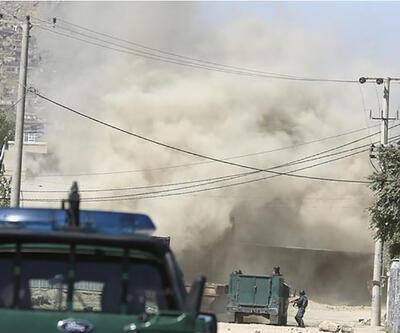 Afganistan'da seçim günü canlı bomba saldırısı