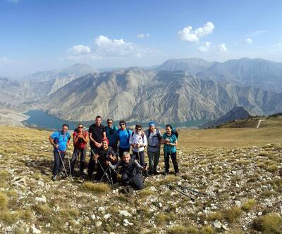 Yürüyerek Erzurum'u keşfediyorlar