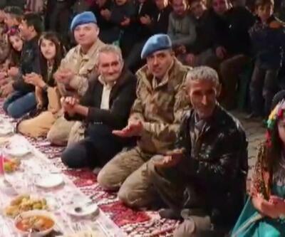 Hakkari'de asker, polis ve halk bir arada