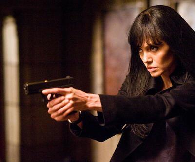 "Angelina Jolie'ye şok suçlama: ""O bir CIA ajanı"""