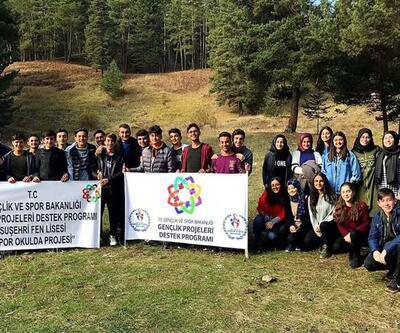 Suşehri ilçesinde öğrenciler doğa yürüyüşü gerçekleştirdi