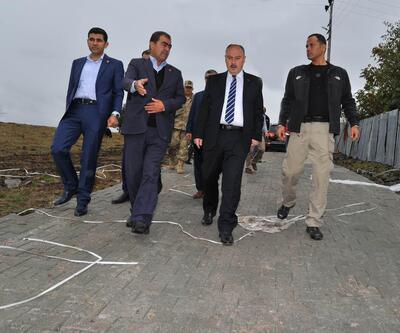 Vali Coşkun, Yarpuz Köyü'nde yol yapım çalışmalarını inceledi