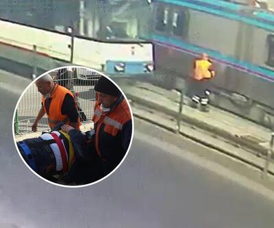 Rayları temizleyen işçiye, aksi yöndeki iki tramvay birden çarptı