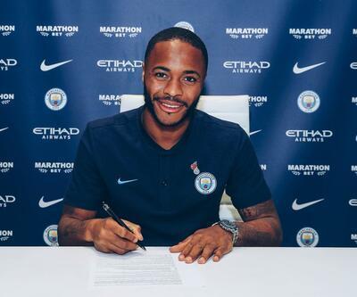 Manchester City, Sterling'in sözleşmesini uzattı