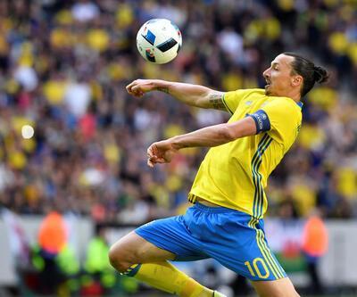 Zlatan İbrahimovic, Mesut Özil'in yolundan gitti