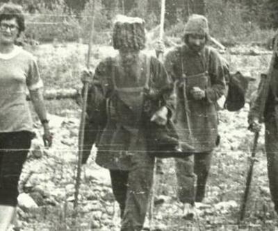 42 yıl boyunca ağaç kabuklarını ve ayakkabılarını yiyerek hayatta kaldılar!